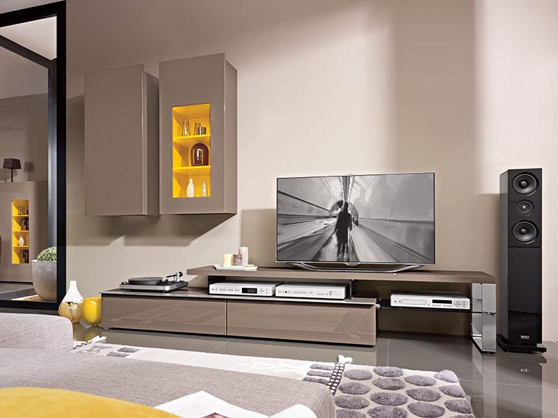 Wohnzimmereinrichtung m bel wallach for Moderne wohnzimmereinrichtung 2016