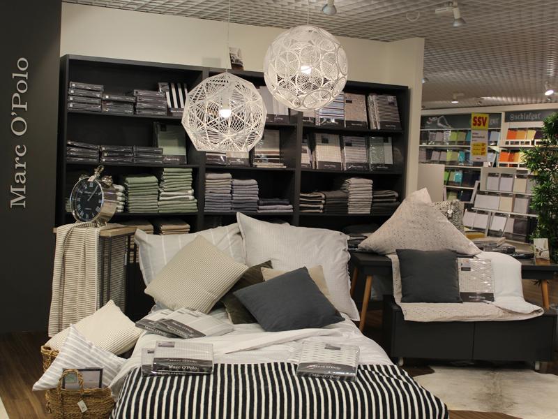 wallach celle gardinen pauwnieuws. Black Bedroom Furniture Sets. Home Design Ideas