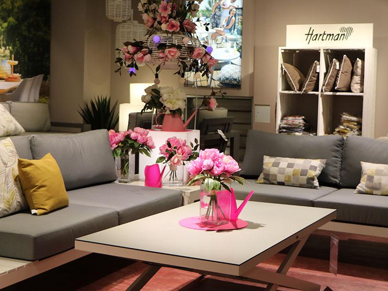 wohnzimmer im freien m bel wallach. Black Bedroom Furniture Sets. Home Design Ideas