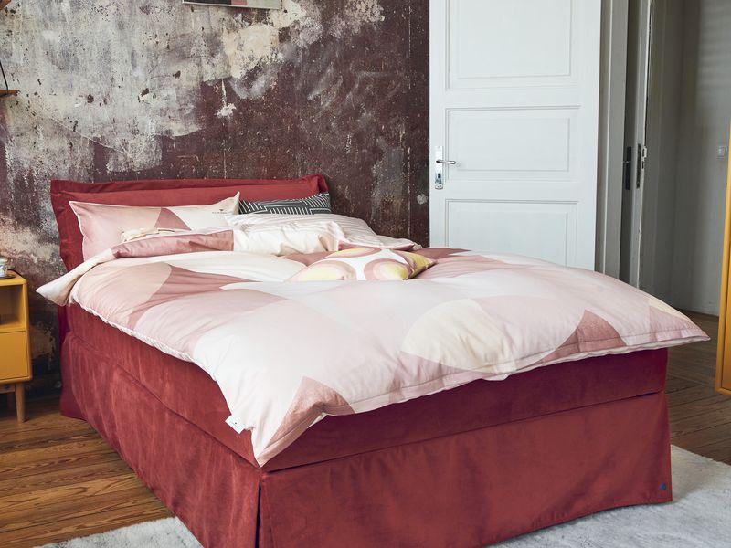 Rotes Bett Tom Tailor